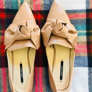 Zara Pointed Toe Flats with Bow in Camel Tan